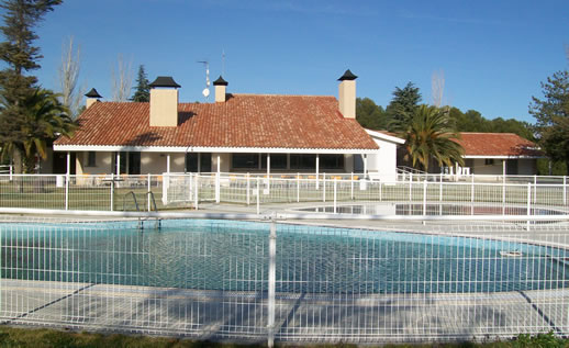 Albergue el gracijo for Piscina municipal zaragoza